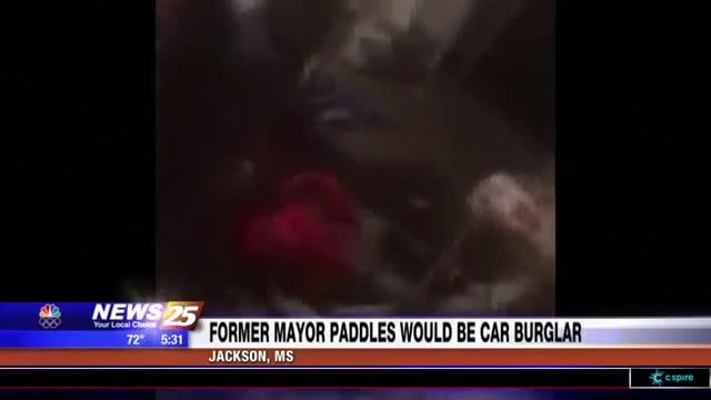 Former Jackson, Miss., mayor subdues burglar, paddles him
