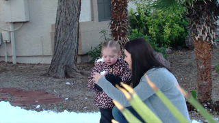 "Картинки по запросу ""Arizona police deliver 5 tons of snow for 2-year-old girl with heart defect"""""